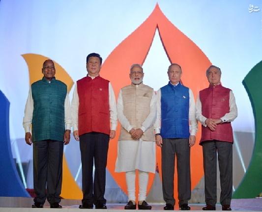 عکس یادگاری پوتین با لباس هندی