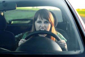 تفاوت اصلی رانندگی زنان و مردان