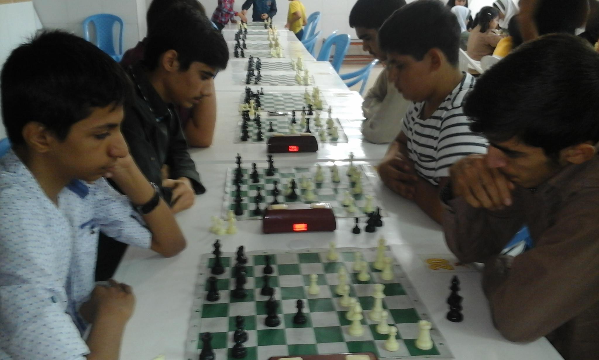 برگزاری مسابقات شطرنج به مناسبت روز دانش آموز به میزبانی هیات شطرنج شهرستان اداره ورزش و جوانان شه�