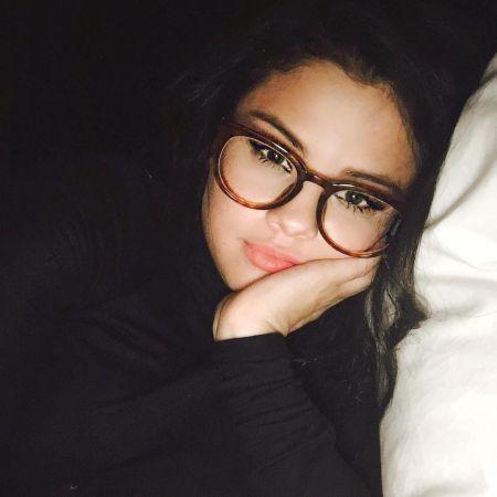 سلنا گومز با عینک,عکس جذاب سلنا گومز