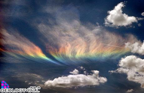 ابرهای رنگی که هنگام زلزله تشکیل میشود