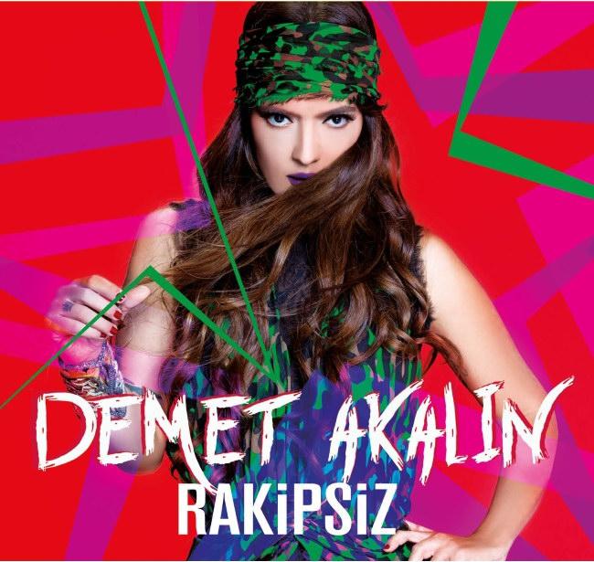 دانلود آهنگ ترکيه ای جديد از Demet Akalin به نام Hayalet