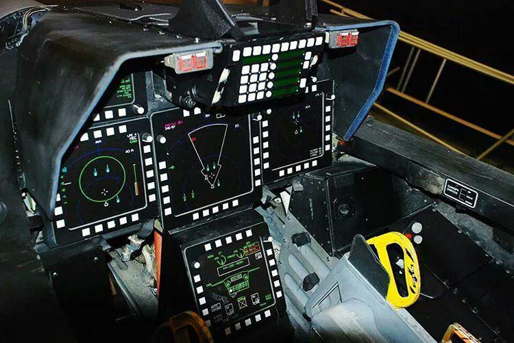 نمای داخل کابین F22