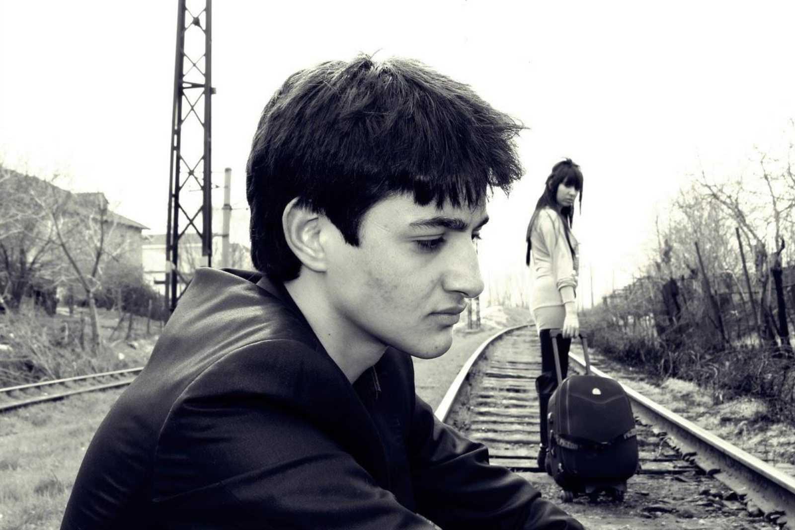 دانلود آهنگ گل بهار از سینا پارسیان