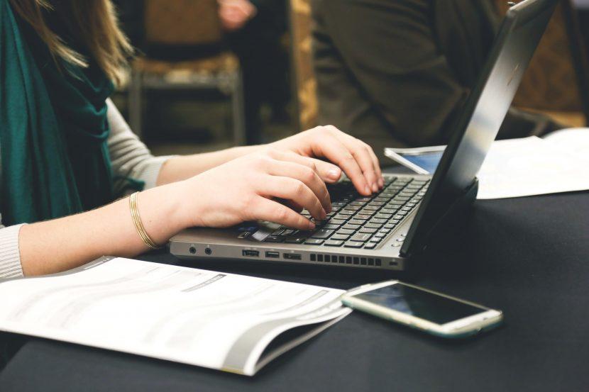 منظور از وب میل در طراحی سایت چیست؟