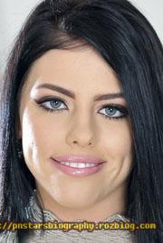 Adriana Chechik 3*4 pic