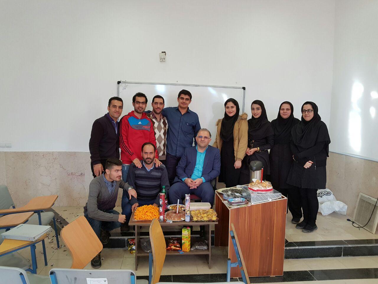 بچه های خوب و پر انرژی رشته مدیریت دولتی دانشگاه آزاد بهشهر
