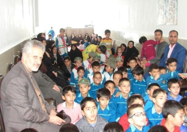 مراسم تجلیل از معلم بازنشسته دبستان شهید آیت دوره اول