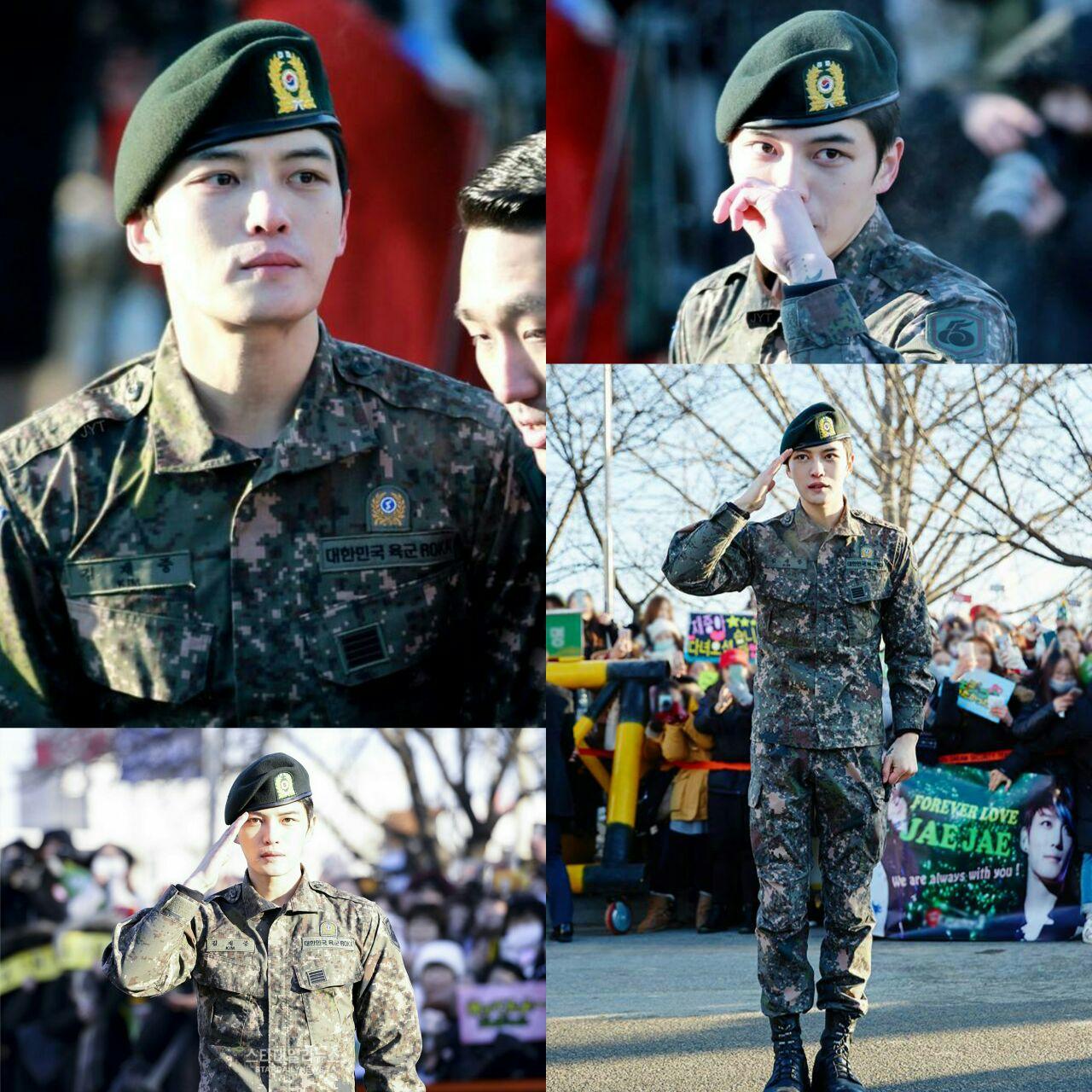 بازیگر و خواننده کیم ججونگ عضو گروه JYJ  در میان استقبال 500 فن از ارتش مرخص شد