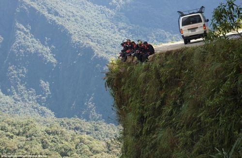 تصاویری از جاده ترس و وحشت در چین