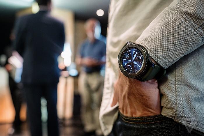 امکان اتصال ساعتهای هوشمند سامسونگ به آیفون فراهم شد