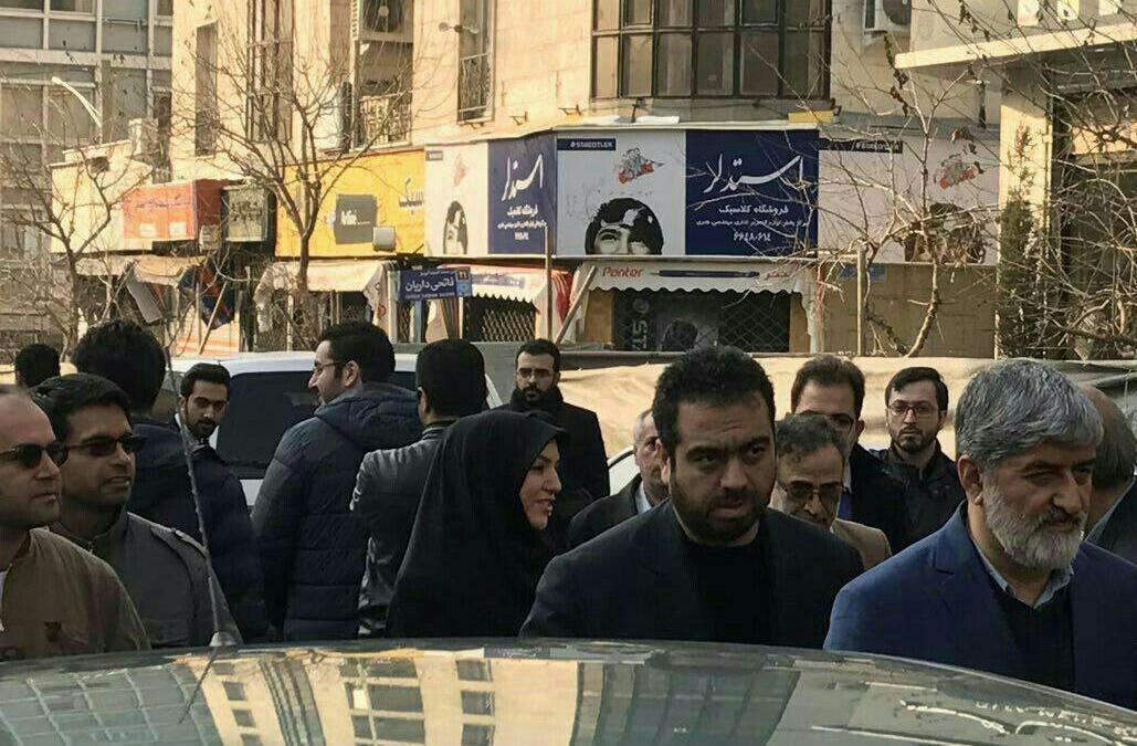 حضور علی مطهری در بدرقه آیت الله هاشمی + عکس