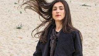 بیوگرافی + عکسهای جدید لاله پورکریم خواننده زن ایرانی
