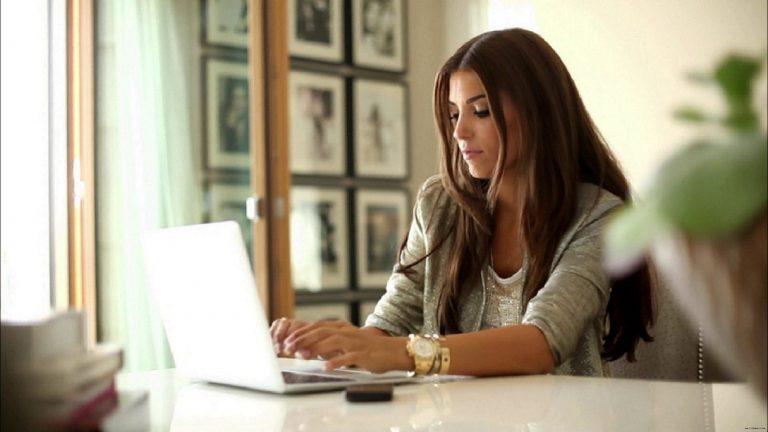 طراحی سایت حرفه ای و تاثیر شبکه های اجتماعی در پیشرفت آن