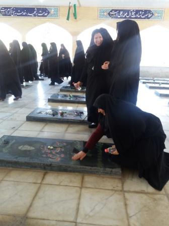 غبارروبی گلزار مطهر شهدا به مناسبت آغاز دهه مبارک فجر
