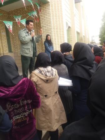 حضور مسئولین بسیج دانش آموزی در مدارس