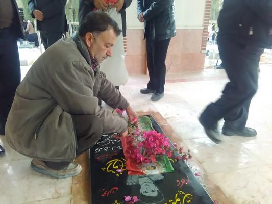 غبار روبی گلزار شهدا به مناسبت دهه فجر