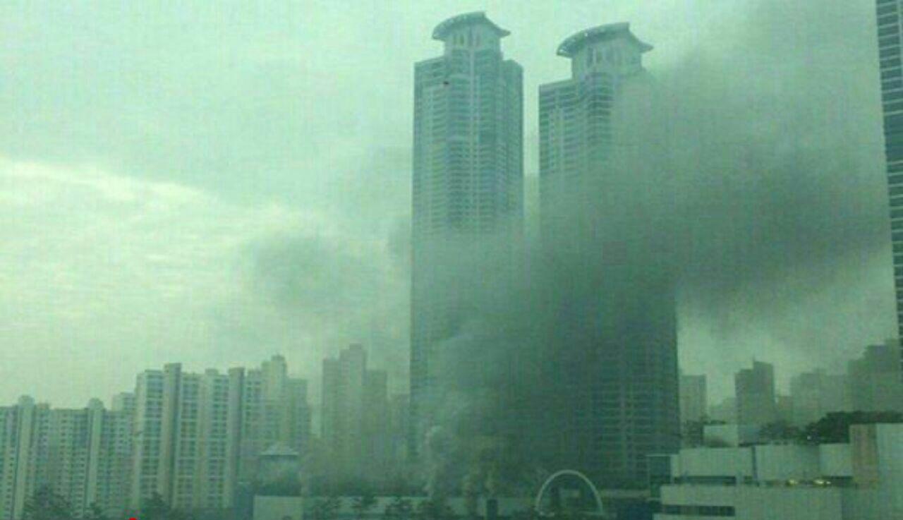 آتش سوزی گسترده در یک مرکز تجاری در کره جنوبی تا کنون ۴ کشته برجای گذاشته و با توجه به وسعت این حادثه