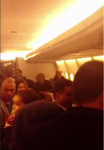 فیلم حبس شدن مسافران هواپیمای مشهد تهران