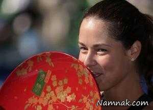 تمرین تنیسور زن با ماهی تابه