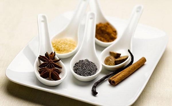 ۱۷ گیاه و ادویه که با دیابت مبارزه میکنند