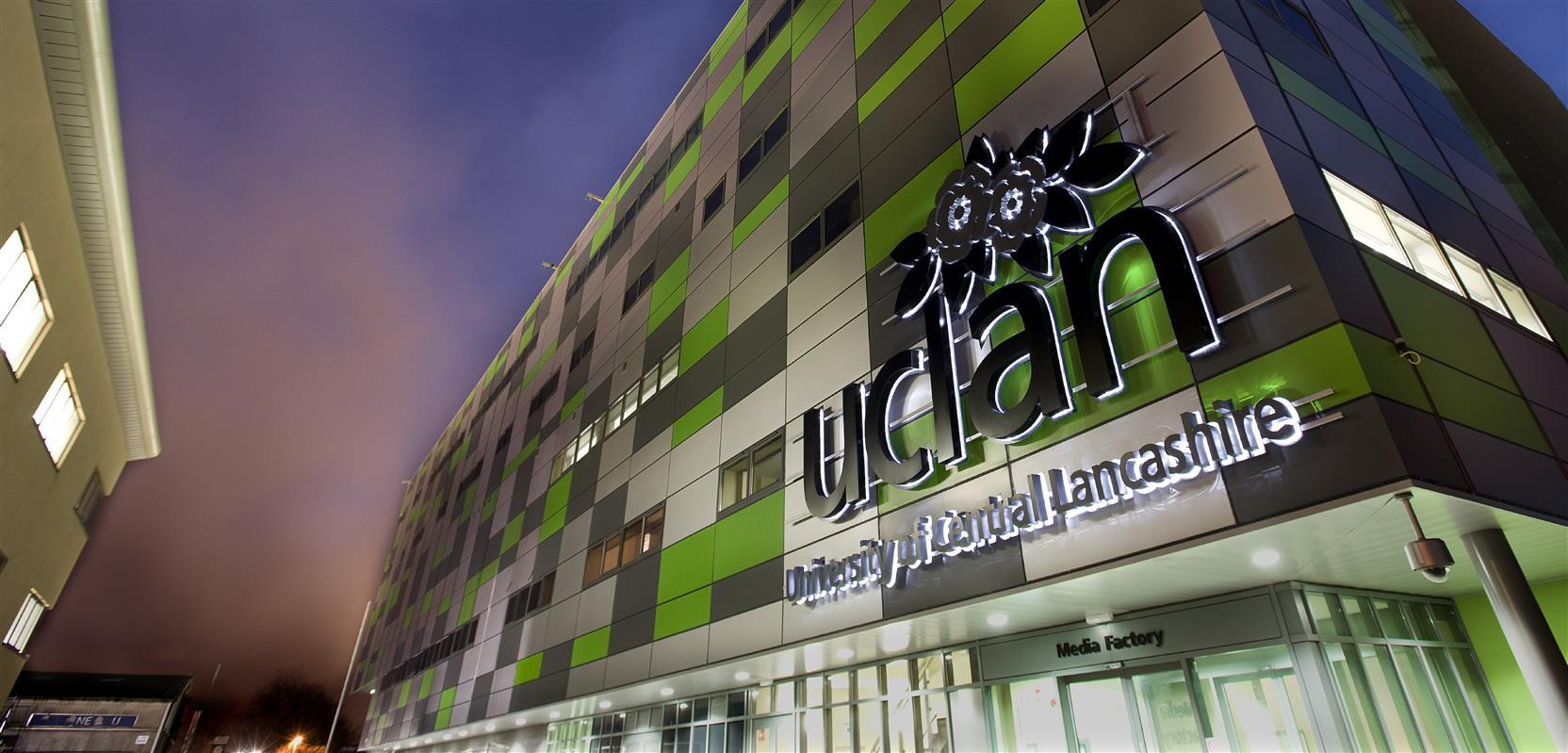 پسورد دانشگاه - دانشگاه University of Central Lancashire  انگلستان