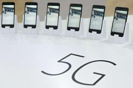 رونمایی اولین گوشی جهان با فناوری 5G