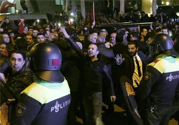 وزیر ترکیه در هلند بازداشت و به آلمان بازگردانده شد