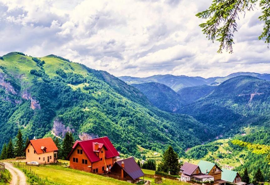 به جدیدترین کشور اروپا سفر کنید