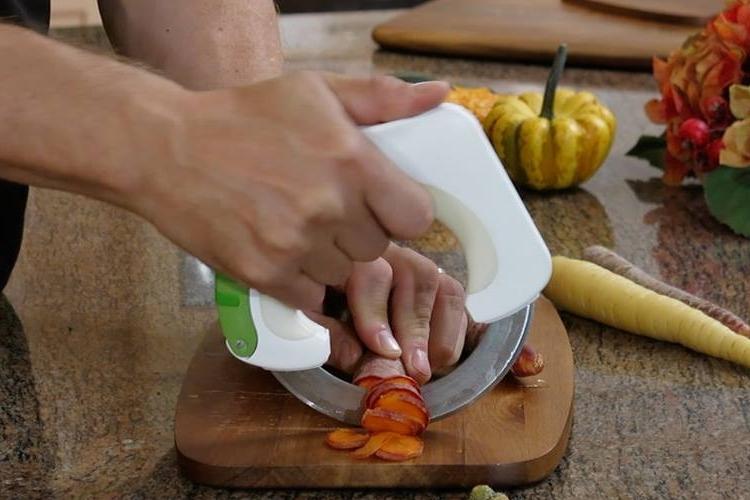 خرید چاقوی برش دایره همه کاره مجیک نایف Meetbolo