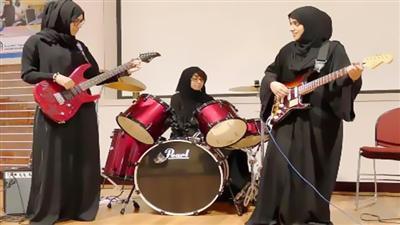 اولین گروه موسیقی راک دختران با حجاب در امارات + عکس