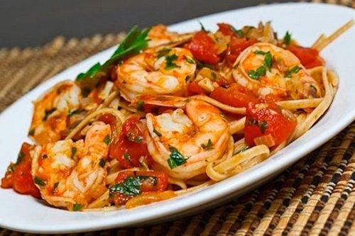 طرز تهیه اسپاگتی مغذی برای بچه ها با میگو