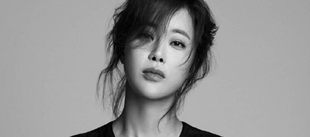 خواننده Baek Ji Young طرفدارانش را از آخرین وضعیت بارداری خود مطلع کرد....