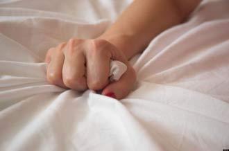 مرگ زن جوان در حال خودارضایی بخاطر هیجان زیاد