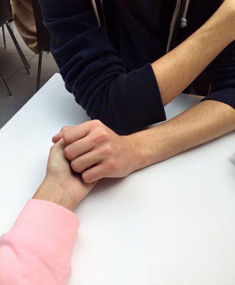 عکس دست پسر تو دست دختر