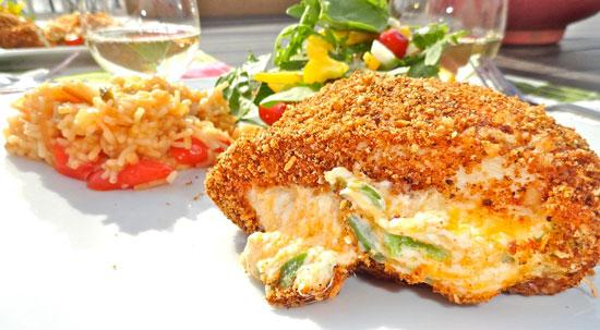 سینه مرغ شکم پر با پنیر و مارچوبه