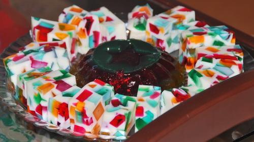 ژله خرده شیشه یا همان ژله موزاییکی رنگی