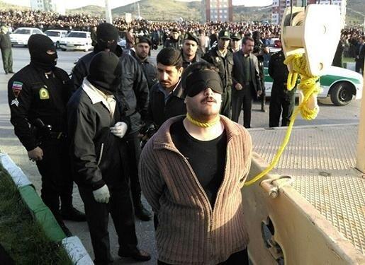 دانلود فیلم فیلم اعدام عباس صحرایی قاتل 6 زن و مرد اراکی + تصاویر