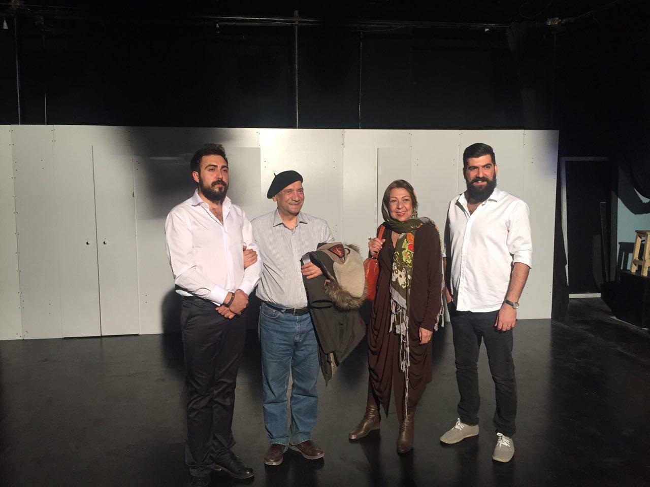 زنگ افتتاح نمایش «بازگشت به خانه» به صدا در امد