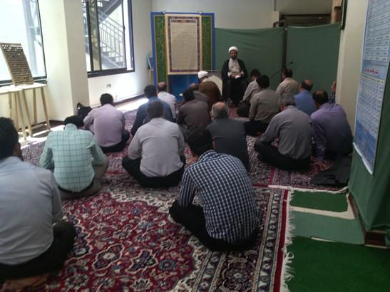 سخنرانی امام جمعه شهر در جمع اعضای بنیاد مسکن
