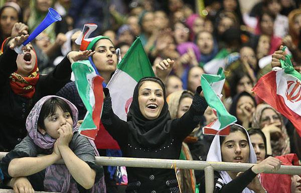 عکس تماشاگر لختی ایرانی