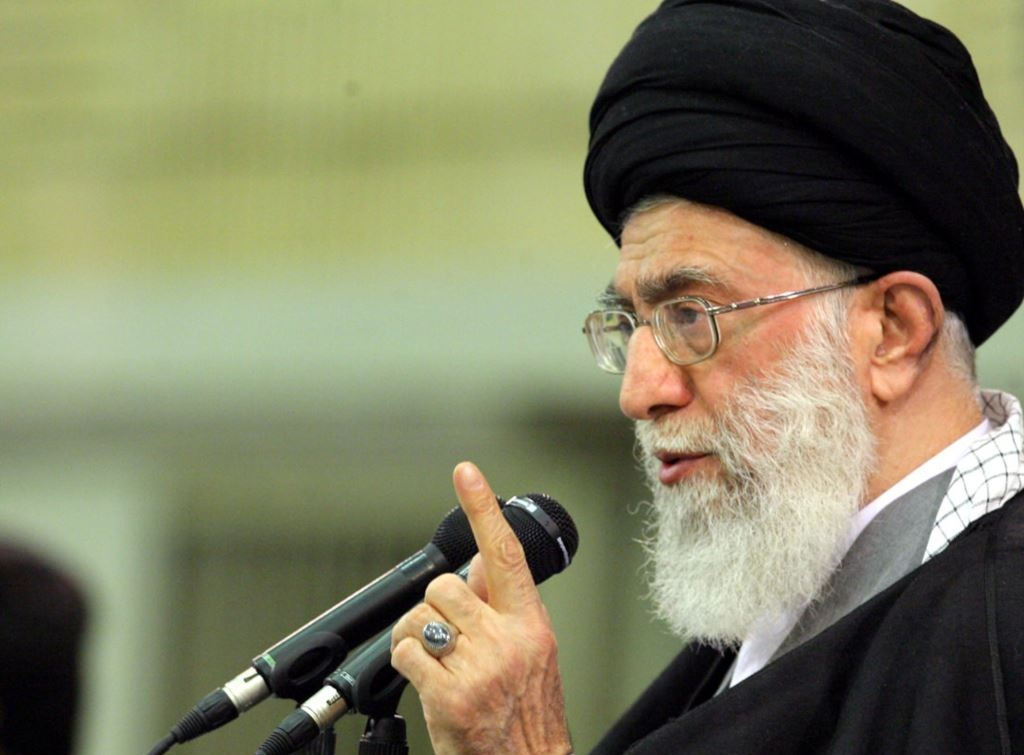 سیاسی:مقام معظم رهبری: جمهوری اسلامی تسلیم سندهایی مانند ۲۰۳۰ یونسکو نخواهد شد/ هیبت جمهوری اسلامی