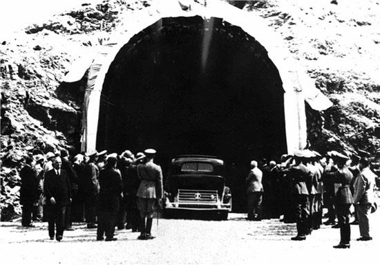 تونل کندوان 79 ساله شد
