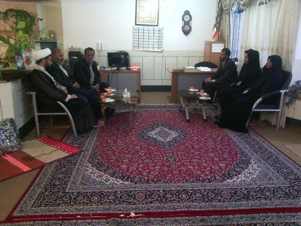 دیدار اعضا جدید شورای شهر در اولین جلسه به دیدار امام جمعه شهر قهدریجان امدند