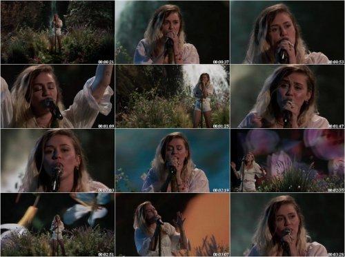 دانلود اجرایه زنده آهنگ Miley Cyrus به نام Malibu