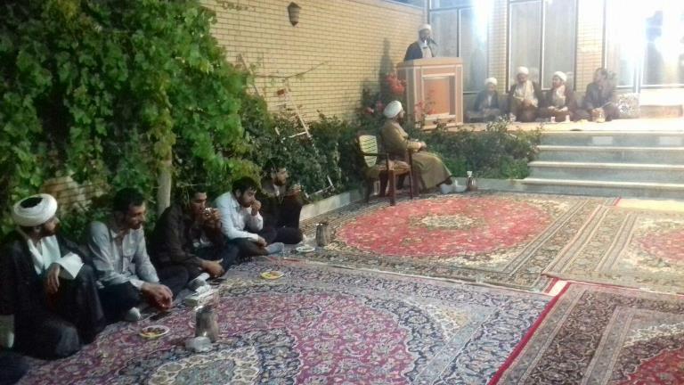 نشست مبلغین ماه مبارک رمضان و طلاب و روحانیون شهر قهدریجان  در دفتر امام جمعه با مسئولین شهر و شهرست