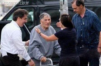 پیرمرد 100 ساله بالاخره از زندان آزاد شد