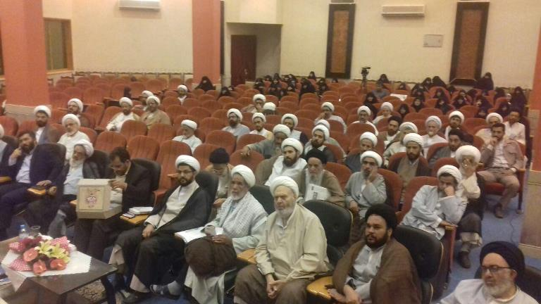 همایش فصلی ائمه جمعه و حضور امام جمعه شهر قهدریجان در این همایش