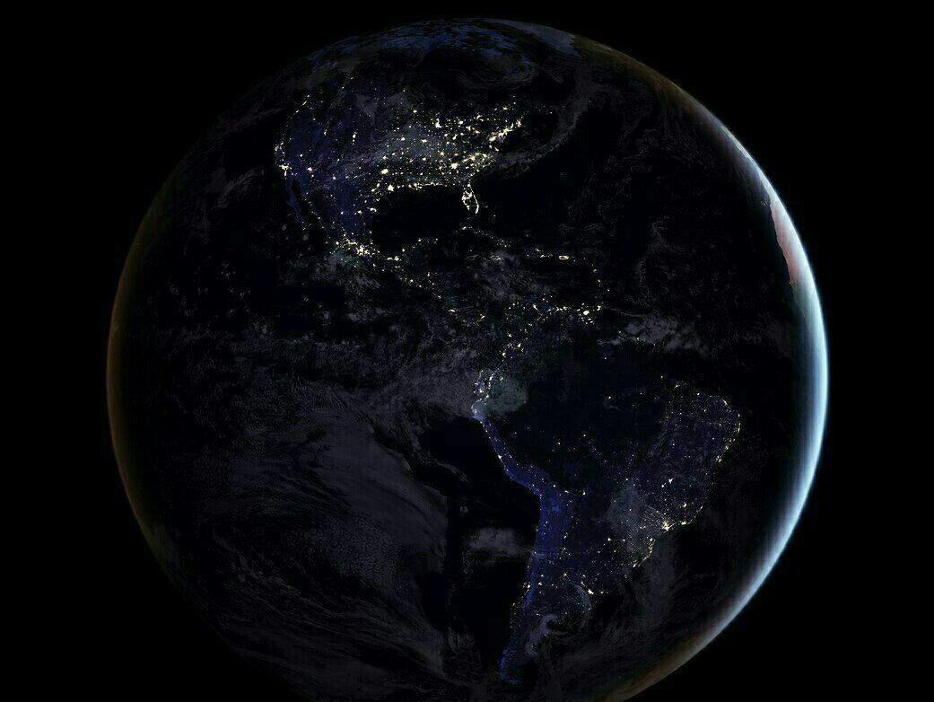 کره زمین در شب