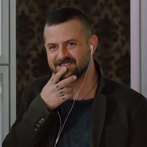 استیکر های هومن سیدی در سریال عاشقانه